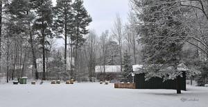 Bigården Råda i vinterskrud. Foto: Ferdinand Mican